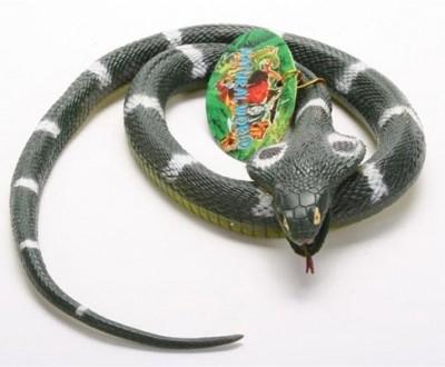 Deko partygag kobra aus gummi schlange aus gummi for Deko restposten grosshandel